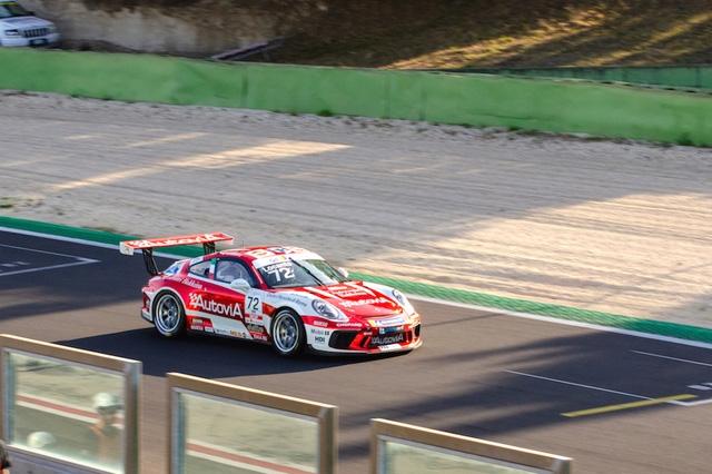 Nasce il Porsche Club GT, tutti in pista contro il cronometro!