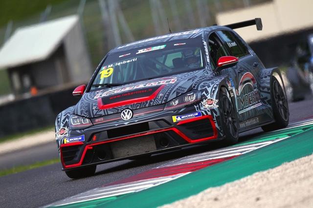 Brilla il titolo di Imberti nel 2019 di Elite Motorsport con le Golf TCR