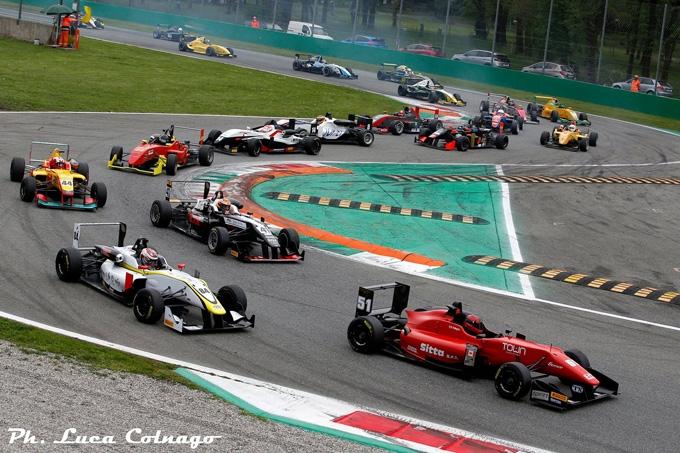 A Vallelunga il secondo round del Topjet Fx 2000