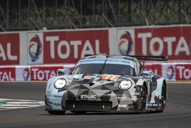 Il pilota Porsche Riccardo Pera conclude quinto la prima partecipazione al Mondiale di Silverstone in Inghilterra a causa di una foratura nel finale ed è secondo nell'Europeo ELMS