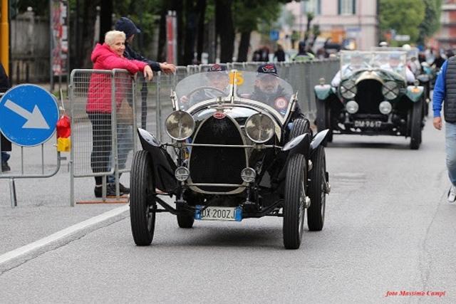 Il Monza Eni Circuit in gara alla 1000 Miglia con una Bugatti T23 Brescia del 1923