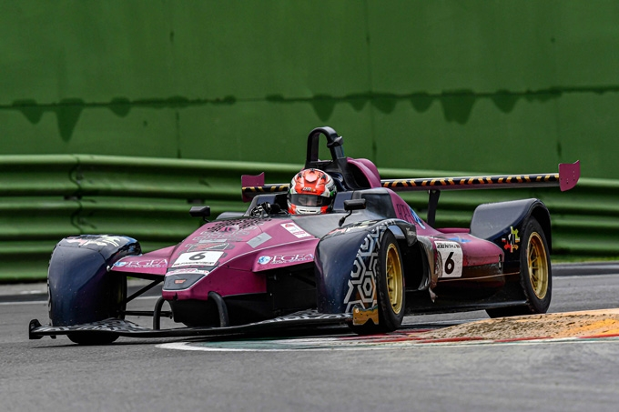 Molinaro a Imola vince ed è Under 25 nel Tricolore Prototipi