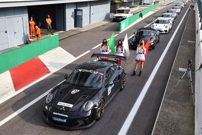 Una Monza a tutta adrenalina accende il Porsche Club GT