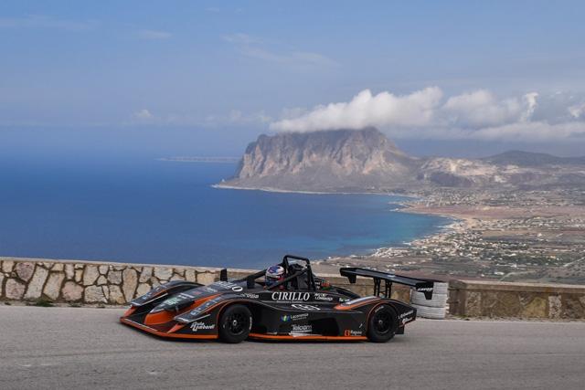 Lombardi ad Erice dona al Team Puglia il quinto alloro consecutivo della classe 1000 ma soprattutto si aggiudica il Campionato Italiano E2SC-E2SS motori moto!