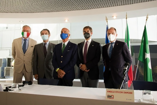 I tifosi tornano sulle tribune dell'Autodromo Nazionale Monza per il Formula 1 Heineken Gran Premio d'Italia 2021