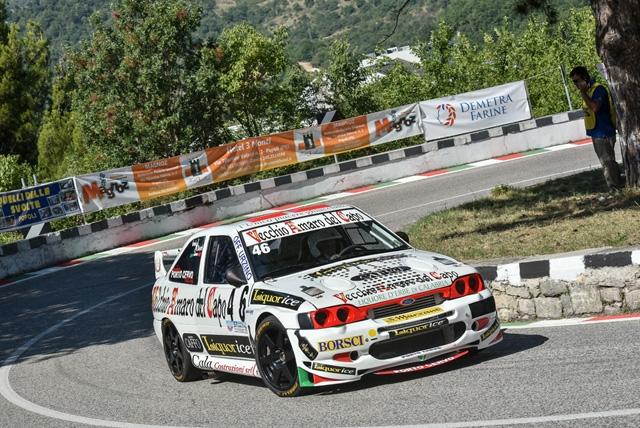 Cronoscalata Svolte di Popoli: la Porto Cervo Racing con Ennio Donato (Ford Escort Cosworth) conquista la vittoria di classe e il podio di gruppo