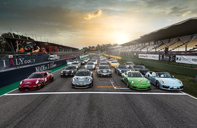 Sale la tensione nel Porsche Club GT a Imola