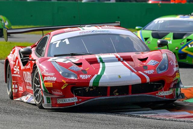 Rovera lotta e vince a Monza su Ferrari nel Tricolore GT Sprint