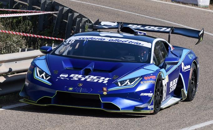 Francesco Montagna e Lamborghini Huracan con il TEAM ITALIA al FIA HILLCLIMB MASTERS 2021