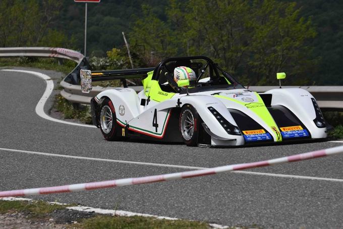 Emanuele Schillace su Radical vince lo Slalom Rocca di Novara