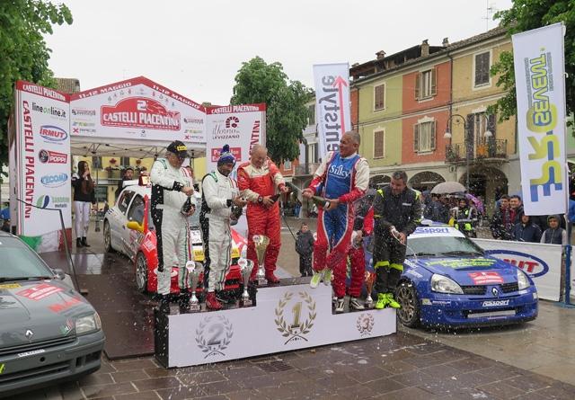 """AL 2° RALLY """"CASTELLI PIACENTINI"""" VITTORIA PER GIANESINI-BELFIORE (RENAULT CLIO S1600)"""