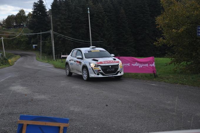 Paolo Andreucci e Anna Andreussi primo posto e triplette al Rally Due Valli