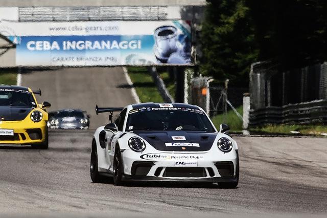 Il Porsche Club GT diventa rovente nelle supersfide di Monza