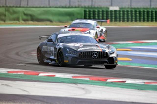 Esordio sul podio in GT4 per la Mercedes AMG Villorba Corse e Trivellato