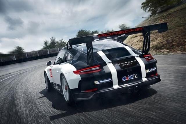 Slitta l'esordio in pista del Porsche Club GT