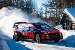 Tänak allunga il comando del Rally Artico nella disperazione del sabato di Ogier Rovanperä e Neuville restano in contatto  con l'estone in vista della finale di domenica.